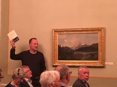 Docent Björn Bihl bjöd in till diskussioner om Frödings språk till kaffet