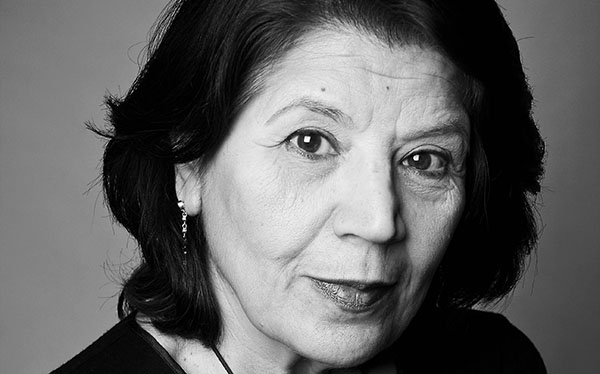 Lyrikpristagaren 2016 Jila Mossaed