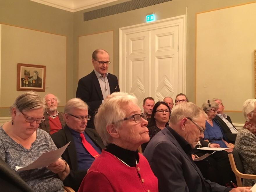 Ingemar Eliasson berättade om Frödingstatyns tillkomst